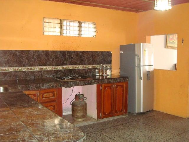 Casa Aragua>Maracay>Santa Rita - Venta:6.000 Precio Referencial - codigo: 19-6287