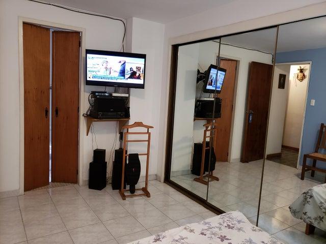 Apartamento Distrito Metropolitano>Caracas>Colinas de Bello Monte - Venta:69.000 Precio Referencial - codigo: 19-6291