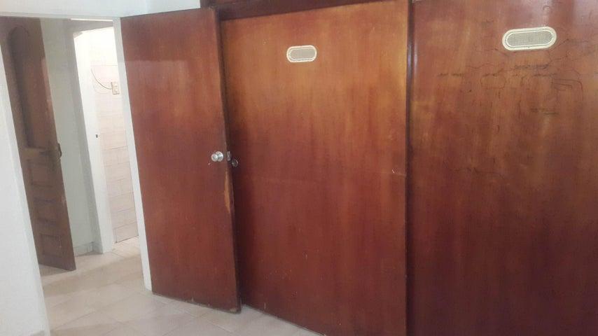Apartamento Distrito Metropolitano>Caracas>Chacao - Venta:59.000 Precio Referencial - codigo: 19-6345