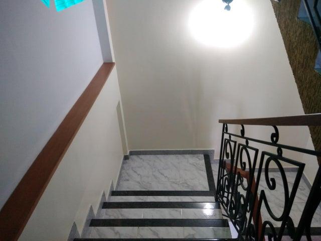 Townhouse Carabobo>Valencia>El Parral - Venta:100.000 Precio Referencial - codigo: 19-2921