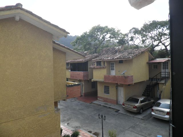 Townhouse Carabobo>Municipio Naguanagua>La Entrada - Venta:30.000 Precio Referencial - codigo: 19-6430