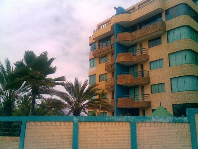 Apartamento Nueva Esparta>Margarita>Playa El Agua - Venta:39.000 Precio Referencial - codigo: 19-6541