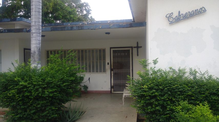 Casa Zulia>Maracaibo>Las Mercedes - Venta:50.000 Precio Referencial - codigo: 19-7586