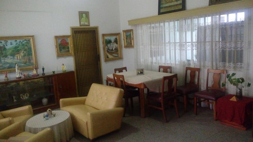 Casa Zulia>Maracaibo>Las Mercedes - Venta:40.000 Precio Referencial - codigo: 19-7586