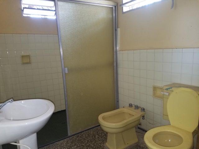 Casa Zulia>Cabimas>Zulia - Venta:20.000 Precio Referencial - codigo: 19-6691