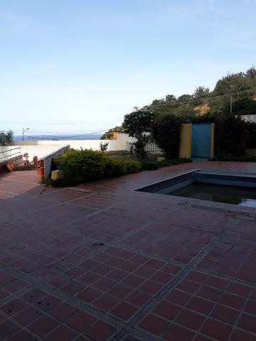 Apartamento Vargas>Catia La Mar>Playa Grande - Venta:32.000 Precio Referencial - codigo: 19-6470