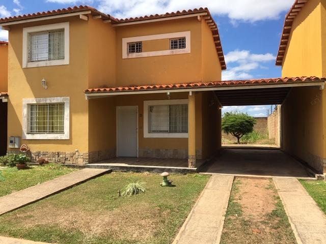 Townhouse Anzoategui>El Tigre>Sector Avenida Intercomunal - Venta:65.000 Precio Referencial - codigo: 19-6534