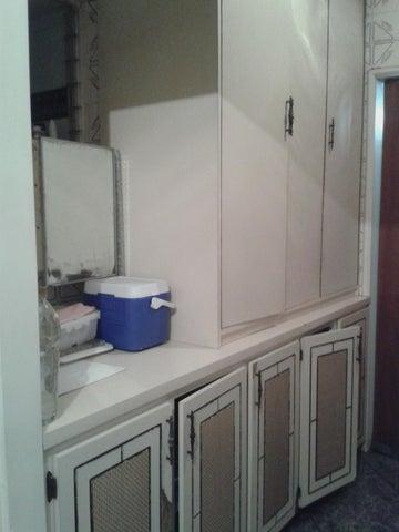 Apartamento Miranda>San Antonio de los Altos>Los Salias - Venta:70.000 Precio Referencial - codigo: 19-6512