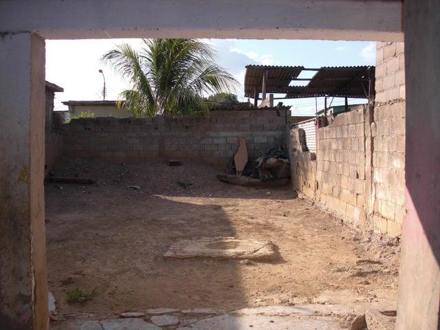 Casa Falcon>Coro>Centro - Venta:3.100 Precio Referencial - codigo: 19-6542