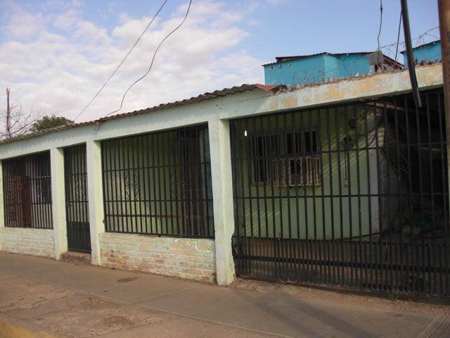 Casa Falcon>Coro>La Velita - Venta:8.000 Precio Referencial - codigo: 19-6547