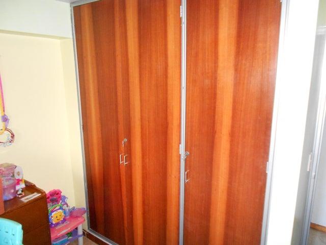 Apartamento Distrito Metropolitano>Caracas>Guaicay - Venta:120.000 Precio Referencial - codigo: 19-6595
