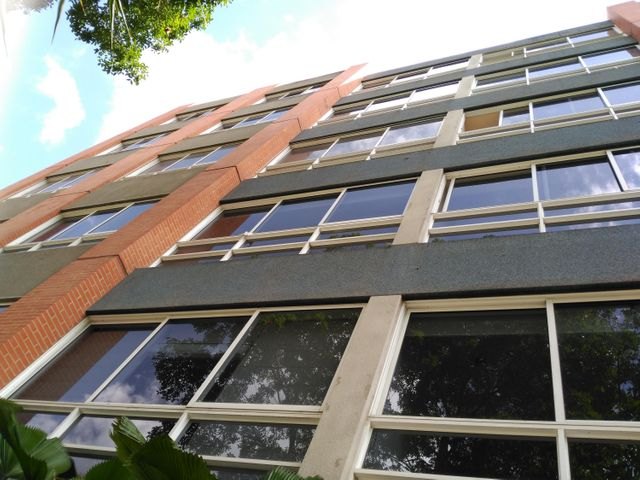 Apartamento Distrito Metropolitano>Caracas>Lomas de Las Mercedes - Venta:230.000 Precio Referencial - codigo: 19-6665