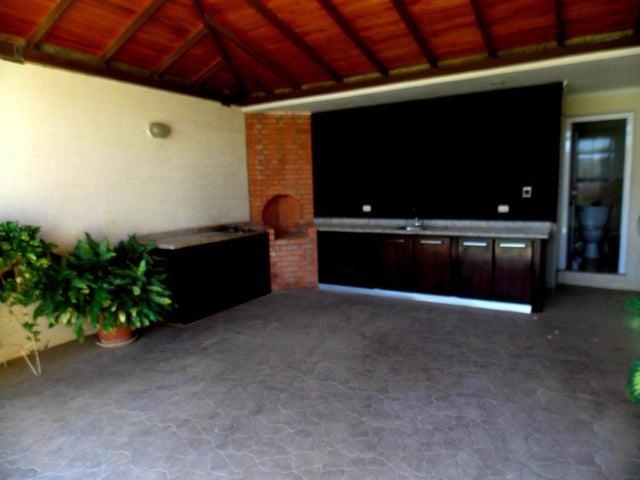 Casa Falcon>Punto Fijo>Terrazas Club de Golf - Venta:230.000 Precio Referencial - codigo: 19-6735