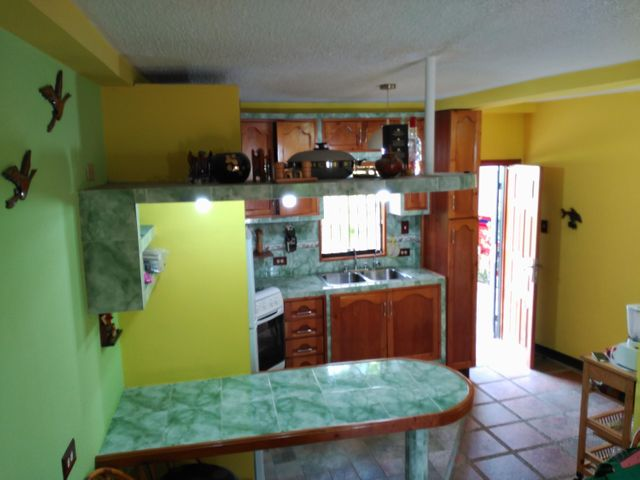 Townhouse Miranda>Higuerote>Higuerote - Venta:18.000 Precio Referencial - codigo: 19-6749