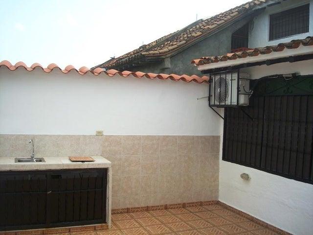 Casa Miranda>Higuerote>Via Curiepe - Venta:9.000 Precio Referencial - codigo: 19-6753