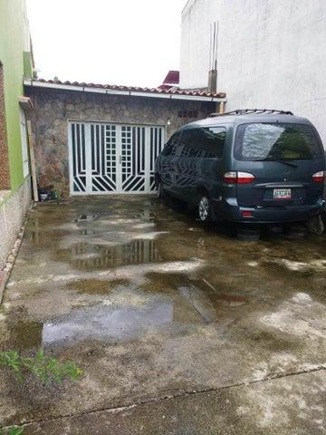 Casa Miranda>Charallave>Colinas de Betania - Venta:45.000 Precio Referencial - codigo: 19-6767