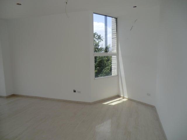 Apartamento Distrito Metropolitano>Caracas>Los Palos Grandes - Venta:980.000 Precio Referencial - codigo: 12-3188