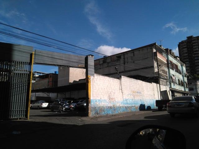 Terreno Distrito Metropolitano>Caracas>Catia - Venta:250.000 Precio Referencial - codigo: 19-6778