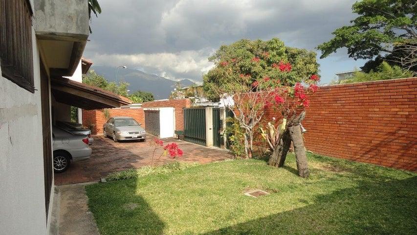 Casa Distrito Metropolitano>Caracas>Colinas de Bello Monte - Venta:384.000 Precio Referencial - codigo: 19-6797