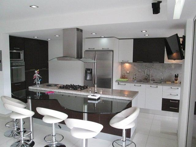 Apartamento Distrito Metropolitano>Caracas>San Bernardino - Venta:245.000 Precio Referencial - codigo: 19-6805
