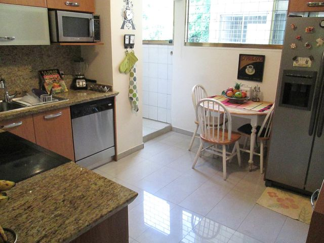 Apartamento Distrito Metropolitano>Caracas>Chuao - Venta:100.000 US Dollar - codigo: 19-6806