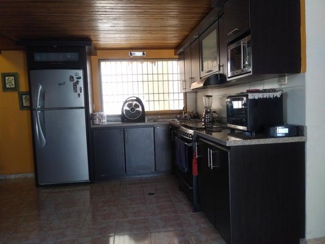 Casa Lara>Cabudare>Parroquia Agua Viva - Venta:25.000 US Dollar - codigo: 19-6804