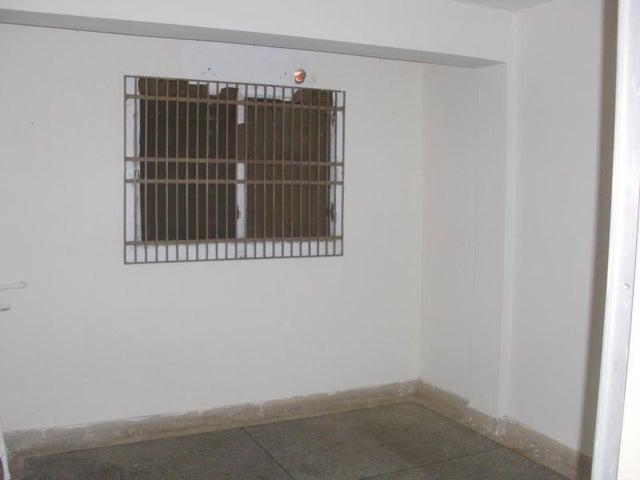Local Comercial Falcon>Coro>Centro - Alquiler:150 Precio Referencial - codigo: 19-6820