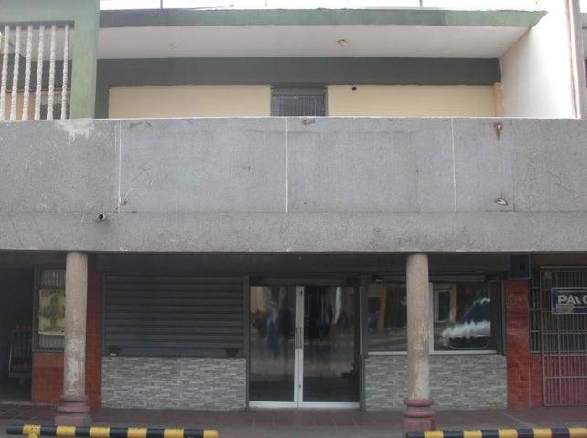 Local Comercial Falcon>Coro>Centro - Alquiler:150 Precio Referencial - codigo: 19-6823