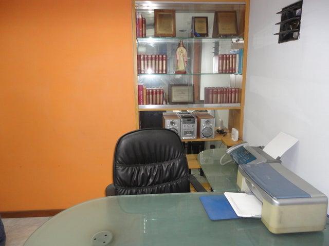 Oficina Distrito Metropolitano>Caracas>Parroquia Catedral - Alquiler:300 Precio Referencial - codigo: 19-6772