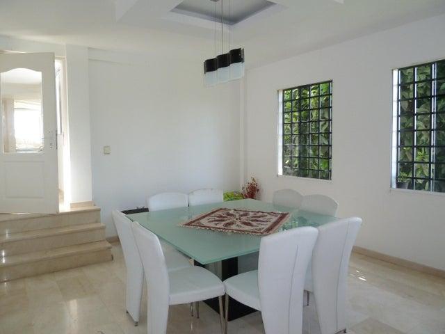 Casa Distrito Metropolitano>Caracas>La Lagunita Country Club - Venta:630.000 Precio Referencial - codigo: 19-6868