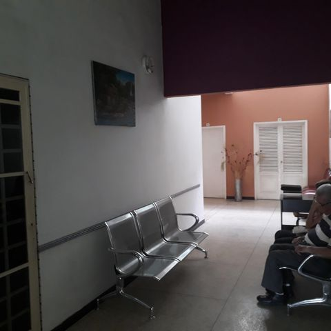 Consultorio Medico  Aragua>Maracay>La Maracaya - Alquiler:100 Precio Referencial - codigo: 19-6903