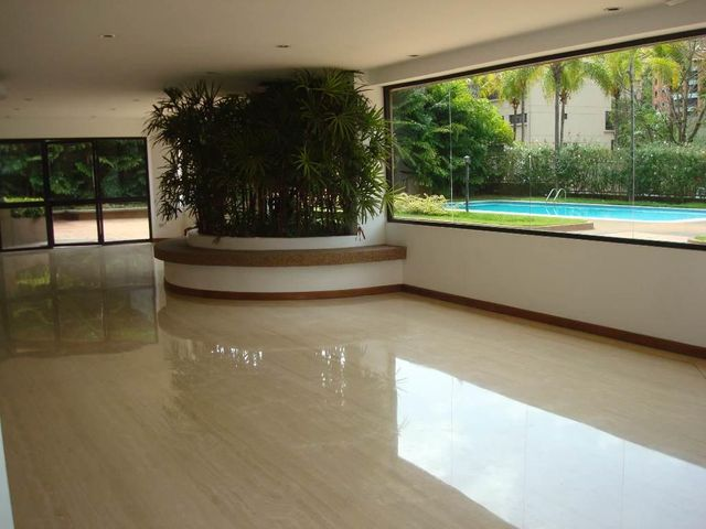 Apartamento Distrito Metropolitano>Caracas>Colinas de Valle Arriba - Venta:285.000 Precio Referencial - codigo: 19-6930