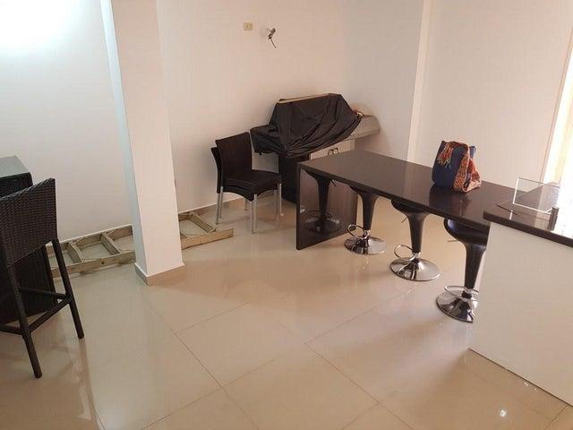 Townhouse Falcon>Punto Fijo>El Cardon - Venta:45.000 Precio Referencial - codigo: 19-6991