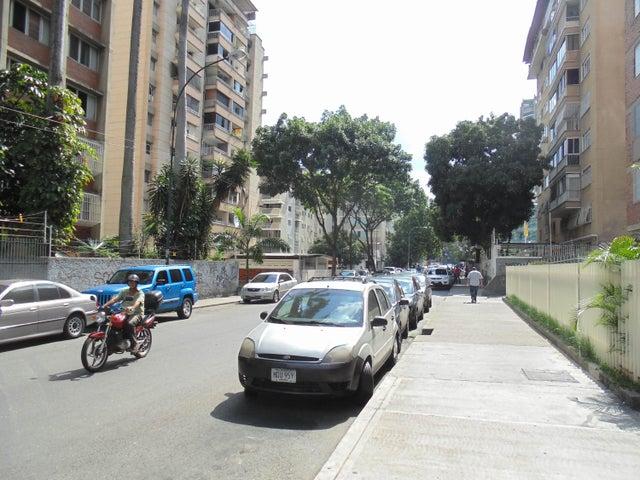 Local Comercial Distrito Metropolitano>Caracas>Los Palos Grandes - Venta:350.000 Precio Referencial - codigo: 19-6994