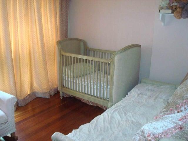 Apartamento Distrito Metropolitano>Caracas>Altamira - Venta:2.700.000 Precio Referencial - codigo: 19-7019