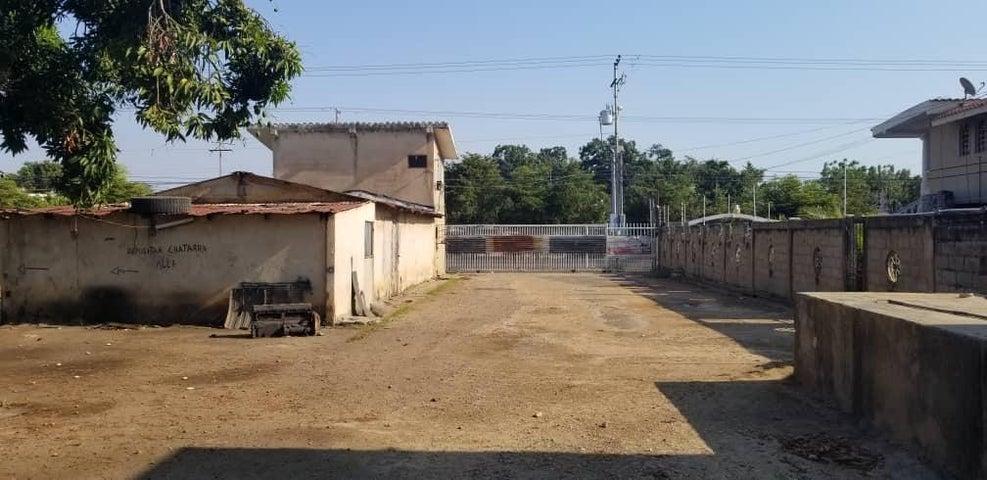Terreno Zulia>Ciudad Ojeda>Avenida Vargas - Venta:280.000 Precio Referencial - codigo: 19-7120