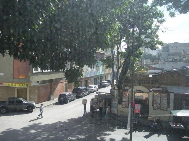 Local Comercial Distrito Metropolitano>Caracas>El Recreo - Venta:200.000 Precio Referencial - codigo: 19-7