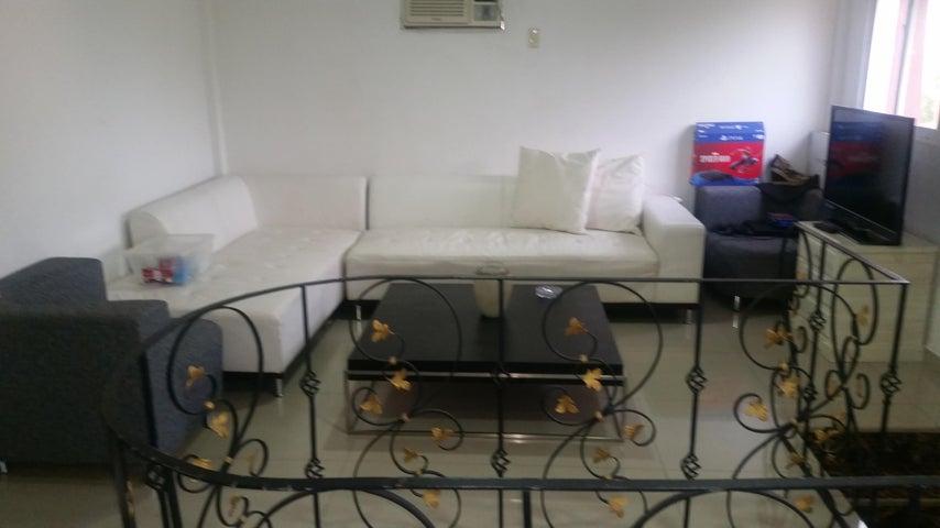 Townhouse Zulia>Maracaibo>Club Hipico - Venta:25.000 Precio Referencial - codigo: 19-7965