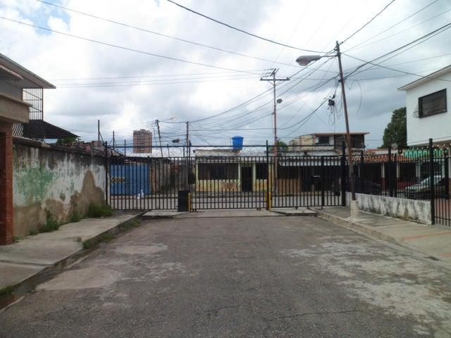 Terreno Carabobo>Valencia>Santa Rosa - Venta:4.500 Precio Referencial - codigo: 19-7175