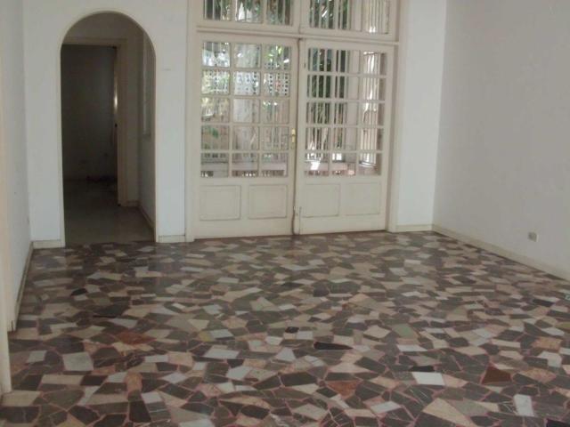 Casa Distrito Metropolitano>Caracas>Altamira - Venta:300.000 Precio Referencial - codigo: 19-7198