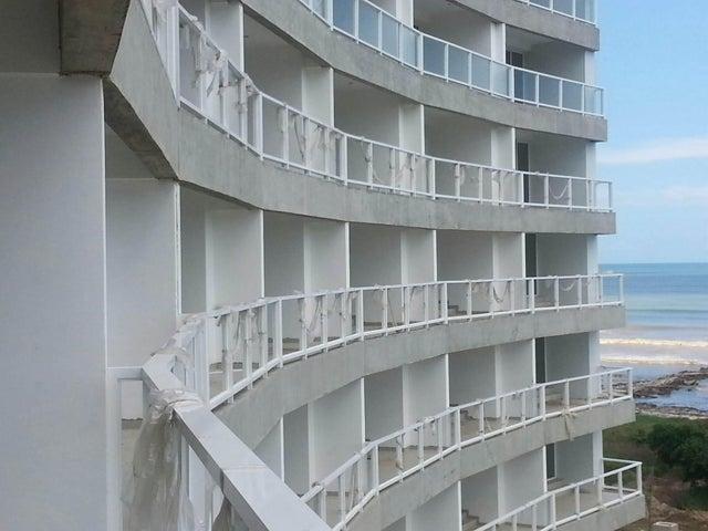Apartamento Miranda>Higuerote>Agua Sal - Venta:30.000 Precio Referencial - codigo: 19-7206