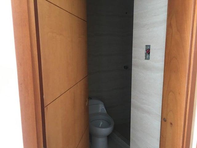 Apartamento Miranda>Higuerote>Agua Sal - Venta:30.000 Precio Referencial - codigo: 19-7207