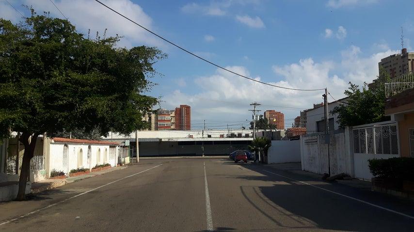 Terreno Zulia>Maracaibo>Avenida Bella Vista - Venta:55.000 Precio Referencial - codigo: 19-5937