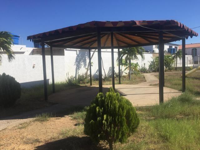 Townhouse Falcon>Punto Fijo>Puerta Maraven - Venta:27.000 Precio Referencial - codigo: 19-7253