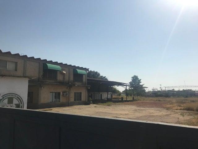 Galpon - Deposito Zulia>Ciudad Ojeda>La N - Alquiler:1.500 Precio Referencial - codigo: 19-7285