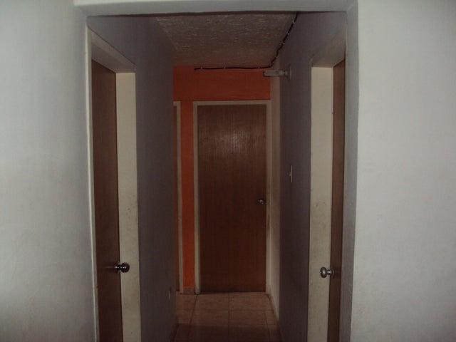 Apartamento Aragua>Maracay>Narayola Uno - Venta:15.500 Precio Referencial - codigo: 19-7272