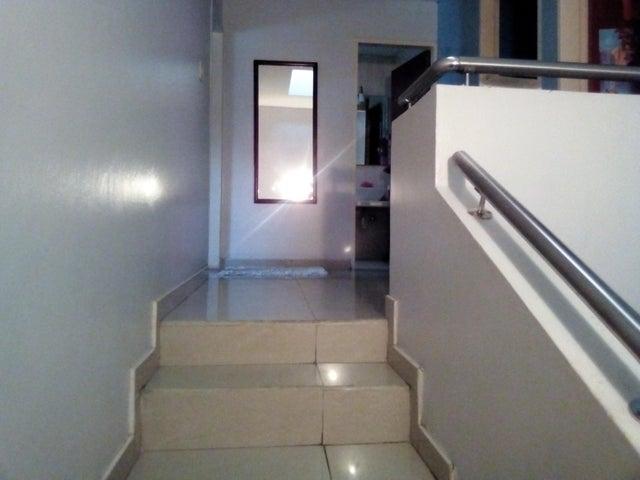 Casa Lara>Cabudare>La Mata - Venta:32.000 Precio Referencial - codigo: 19-7287