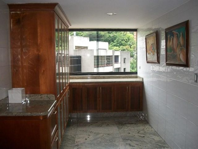 Apartamento Distrito Metropolitano>Caracas>Colinas de Valle Arriba - Venta:1.300.000 Precio Referencial - codigo: 19-7312