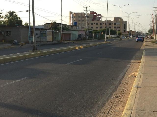 Terreno Zulia>Ciudad Ojeda>Cristobal Colon - Venta:10.000 Precio Referencial - codigo: 19-7338