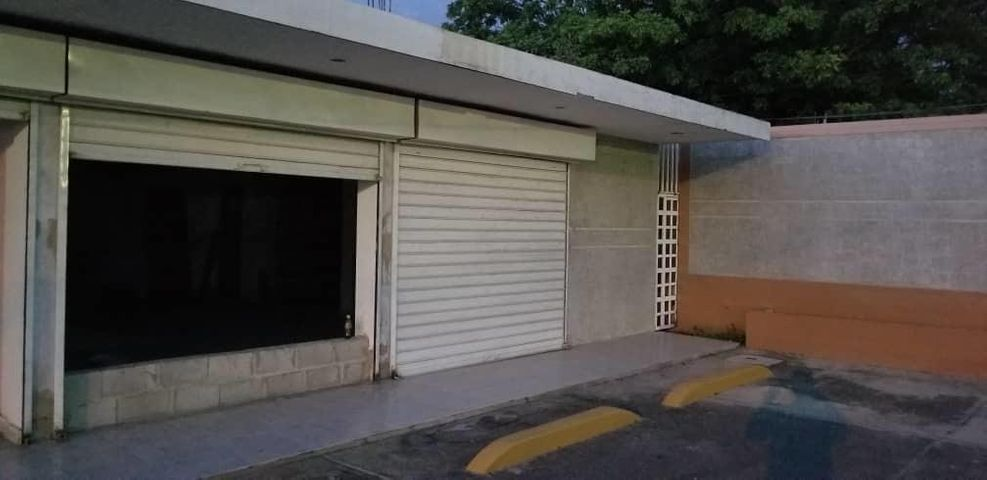Local Comercial Zulia>Ciudad Ojeda>La N - Alquiler:200 Precio Referencial - codigo: 19-7347